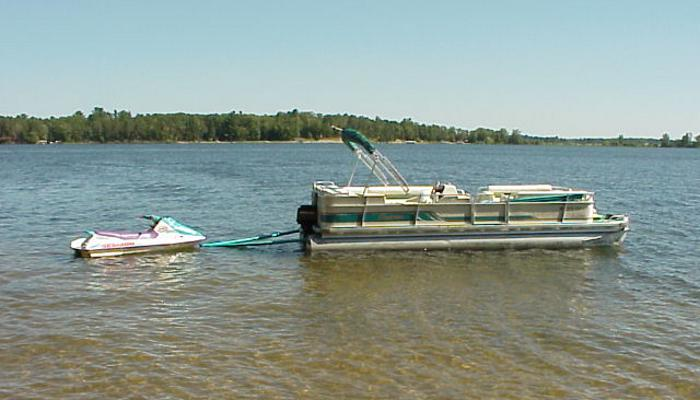 nslider16 towdster in water towing device
